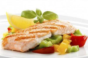 Grilled salmon with peppers